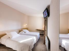Hotel Gambetta, hotel near Chaban Delmas Bridge, Bordeaux