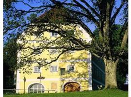 Haus Rufinus am Kloster Seeon, hotel in Seeon-Seebruck