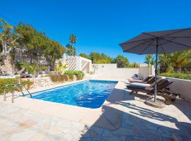 Villa Benavero Boutique style with heated pool, cottage in Calpe