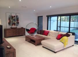 Our Byron House, vacation home in Byron Bay