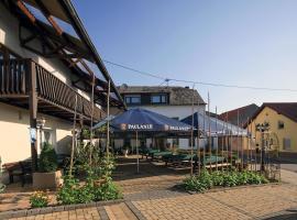 Gasthaus-Pension Ferring, Hotel in der Nähe von: Dinosaurierpark Teufelsschlucht, Minden