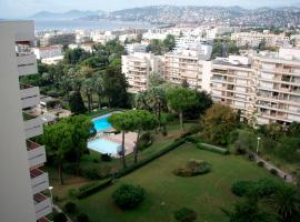 Eden Parc, pet-friendly hotel in Antibes