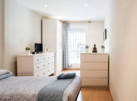 Nice apartment near Barcelona center, hotel in Barcelona