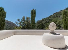 Relax in a natural park, self catering accommodation in Ierápetra