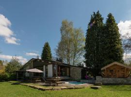 Cosy Holiday Home in Waimes with Swimming Pool, hotel in Waimes