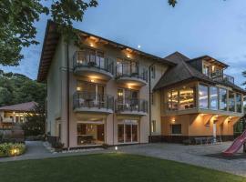 Tópart Hotel, hotel Balatonvilágoson