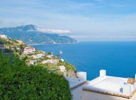 L'Antico Borgo Dei Limoni, hotel with jacuzzis in Amalfi