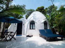 Moonlight Resort, resort in Koh Rong Sanloem