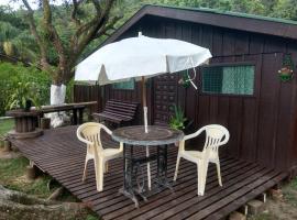 Casa Encantadas do Merlin, hotel in Ilha do Mel
