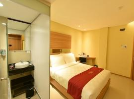 Midtown Xpress Balikpapan, spa hotel in Balikpapan