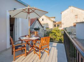 Apartments Zlatin Dvor, luxury hotel in Trogir