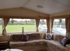 Pitch & Canvas - Self Catering at Broad Oak Farm, hotel near Beeston Castle, Tattenhall