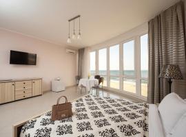Priboy Beach Hotel, готель у Затоці