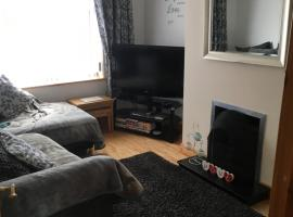 Moville Centre Apartment, hotel in Moville