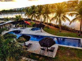 Apartamento Alto Padrão 2 quartos Iberostate Praia do Forte, spa hotel in Praia do Forte
