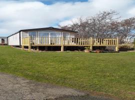 Caravan on Fantastic site, hotel in Dunbar