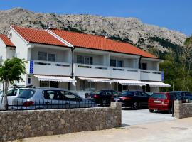 Apartments Mare I, self catering accommodation in Baška