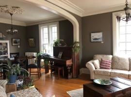 """1000 Islands B&B """"Boutique Hotel Experience"""", room in Brockville"""