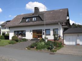 Ferienhaus Marienweg, budget hotel in Hallenberg