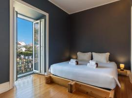 Out Of The Blue, hostel in Ponta Delgada
