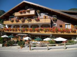 Hotel Floralp, hotel in La Clusaz