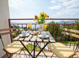 Apartment Toni, budget hotel in Mlini