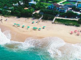 Pousada OceAnas Frente Mar Estaleiro, hotel near Estaleiro Beach, Balneário Camboriú