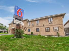 Motel 6-Windsor, ON, hotel near Cathedral of St. Paul, Windsor