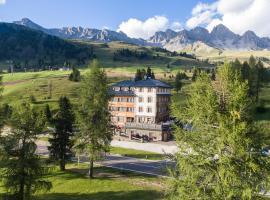 Hotel Costabella, hotel in Passo San Pellegrino