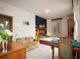 Pension Palac, apartment in Baška Voda
