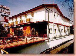 Hotel Tre Santi, hotell i Treviso