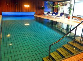 Hotel Niedersfeld-Winterberg, hotel with pools in Winterberg