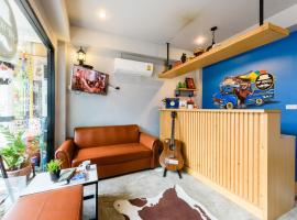 Hip Hostel, hotel in Patong Beach
