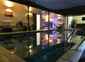 D Villas, hotel in Nawala