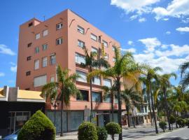 Hostal La Palmera, hotel en Torremolinos