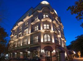 Hotel Majestic, отель в Будве