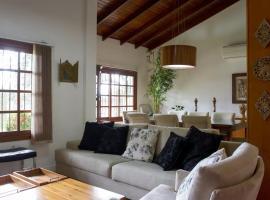 Casa 501 Canela, holiday home in Canela