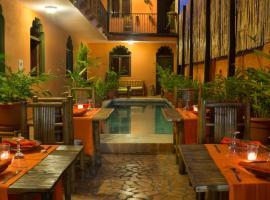 Boutique Hotel Maharaja, hotel in Granada