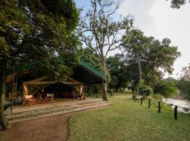 Governors' Ilmoran Camp, luxury tent in Talek