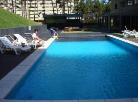 Jardines del Country, hotel in Punta del Este