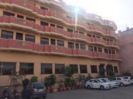 Hotel Glitz Jaipur, hotel near Amber Fort, Jaipur