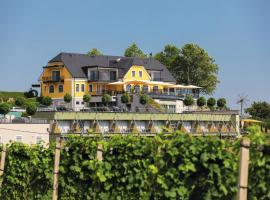 Weinrefugium Brolli, hotel with pools in Gamlitz