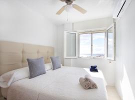 R&E apartment, lägenhet i Torremolinos