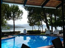Flisvos Seaside Apartments, serviced apartment in Lygia