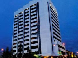 Harbour View Hotel, hotel in Kuching