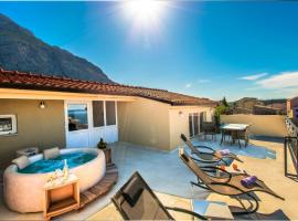 SkyTub suite, hotel with jacuzzis in Makarska