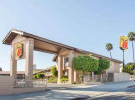 Super 8 by Wyndham Los Angeles/Alhambra, pet-friendly hotel in Los Angeles