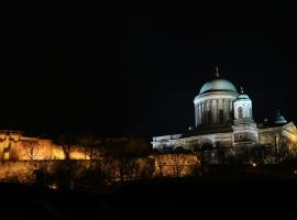 Bazilika alatt Panzió, hotel v destinácii Esztergom