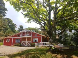 Casa El Granero Monteverde, hotel cerca de Reserva Bosque Nuboso Santa Elena, Monteverde