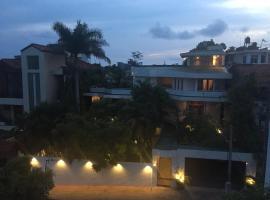 Silvikris Villa, hotel in Colombo